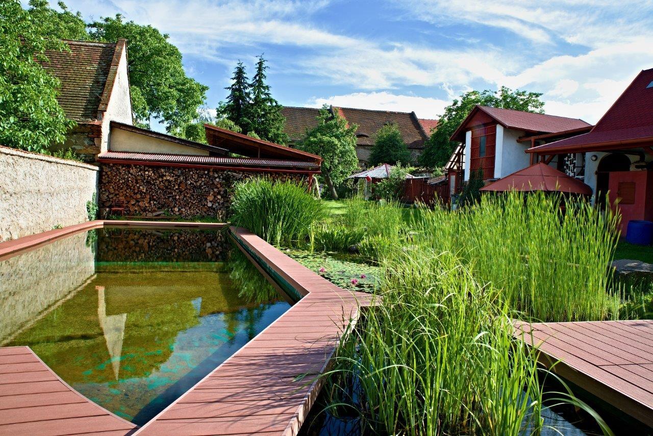 garden6_terasy_wpc_woodplastic_vzorkovna_praha_bazén_62
